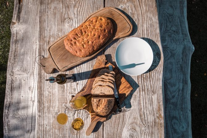 Extra virgin olive oil with focaccia